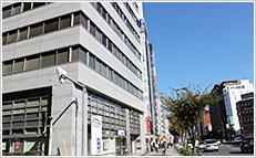 近鉄線大阪上本町駅から徒歩5分